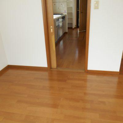 新しい床でお部屋も明るく!