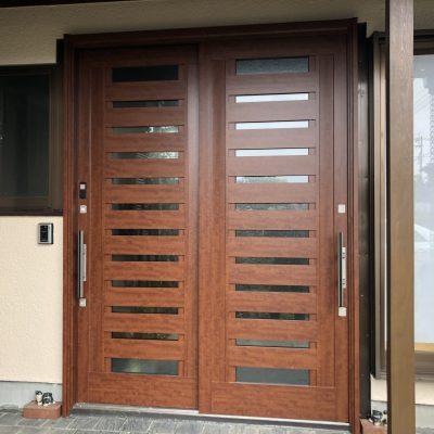 耐震補強工事で玄関の引き戸も交換しました