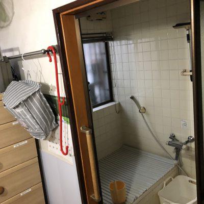 介護保険適用の住宅改修工事を行わせていただきました。